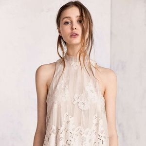 URBAN OUTFITTERS Tilly Lace Mock-Neck Top NWT S